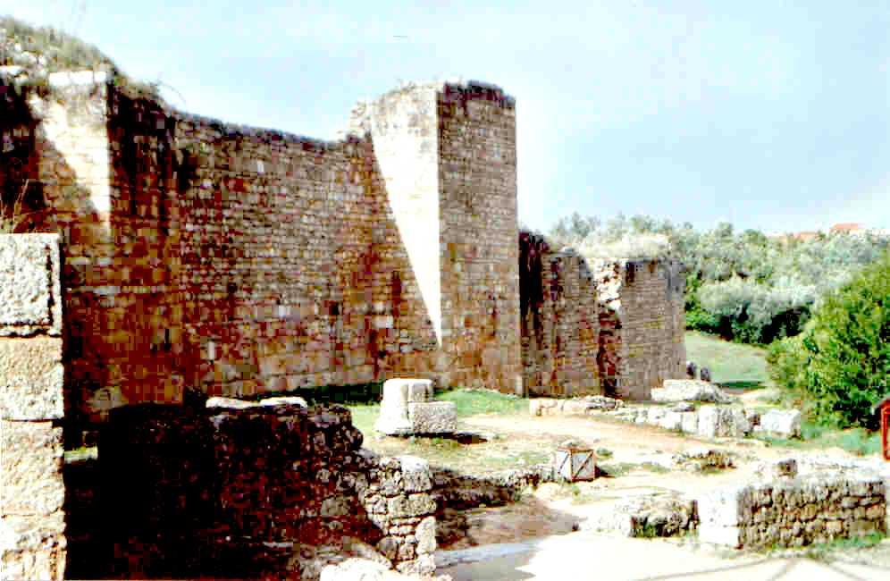 Lactancio y su fiabilidad. Conímbriga (Portugal). Muralla romana tardía contra los bárbaros.