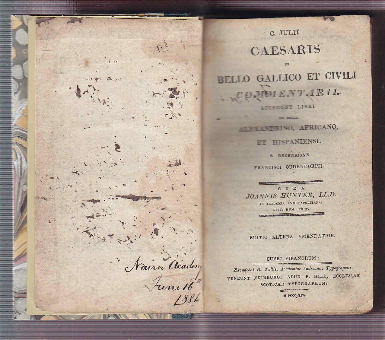 Restauración de libro antiguo y Saint Esprit Proceso terminado