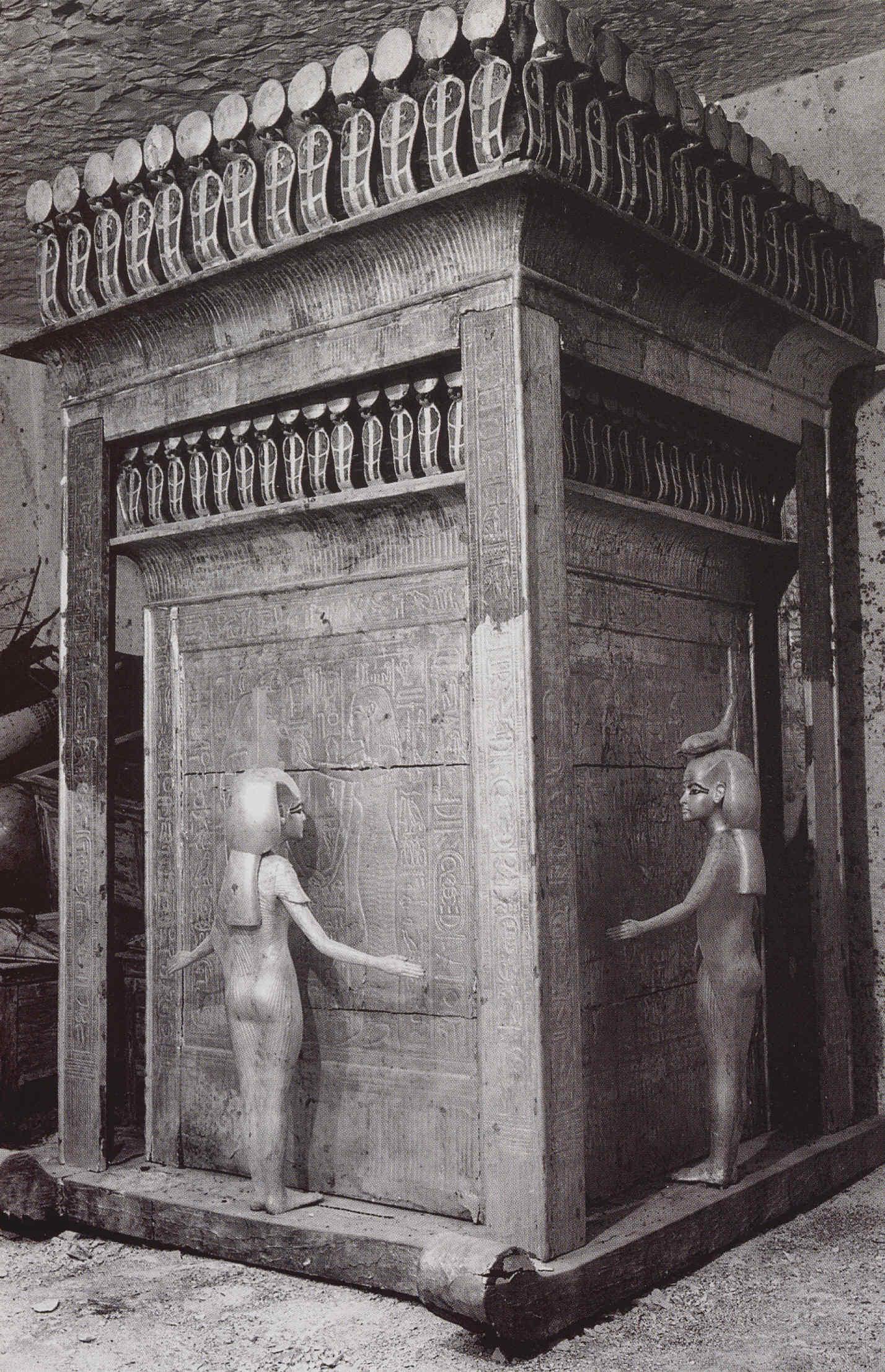 Tutankhamon b