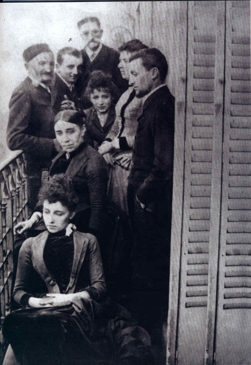 Camille Claudel 3 La familia