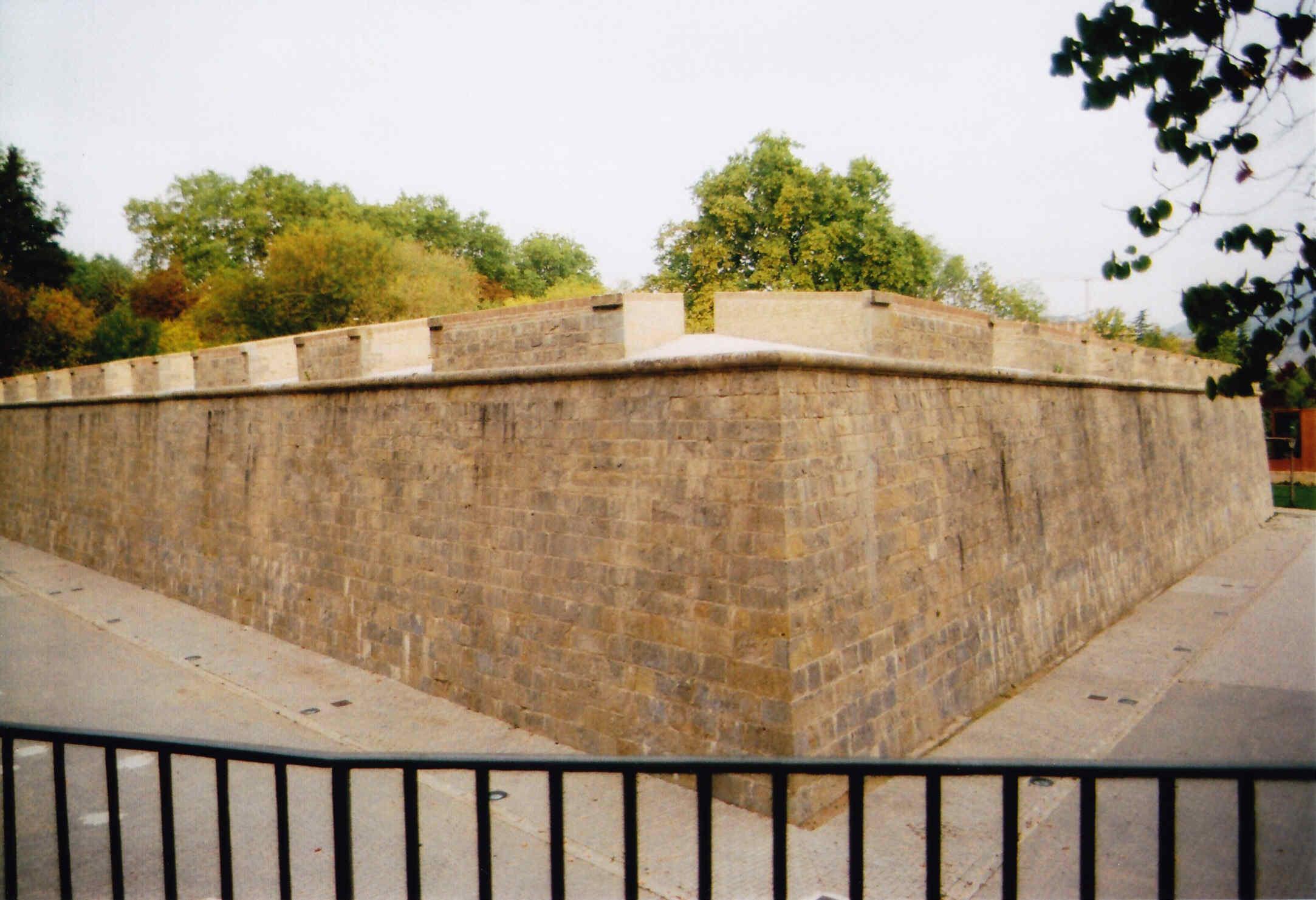 Paseo por las murallas de Pamplona San Bartolomé