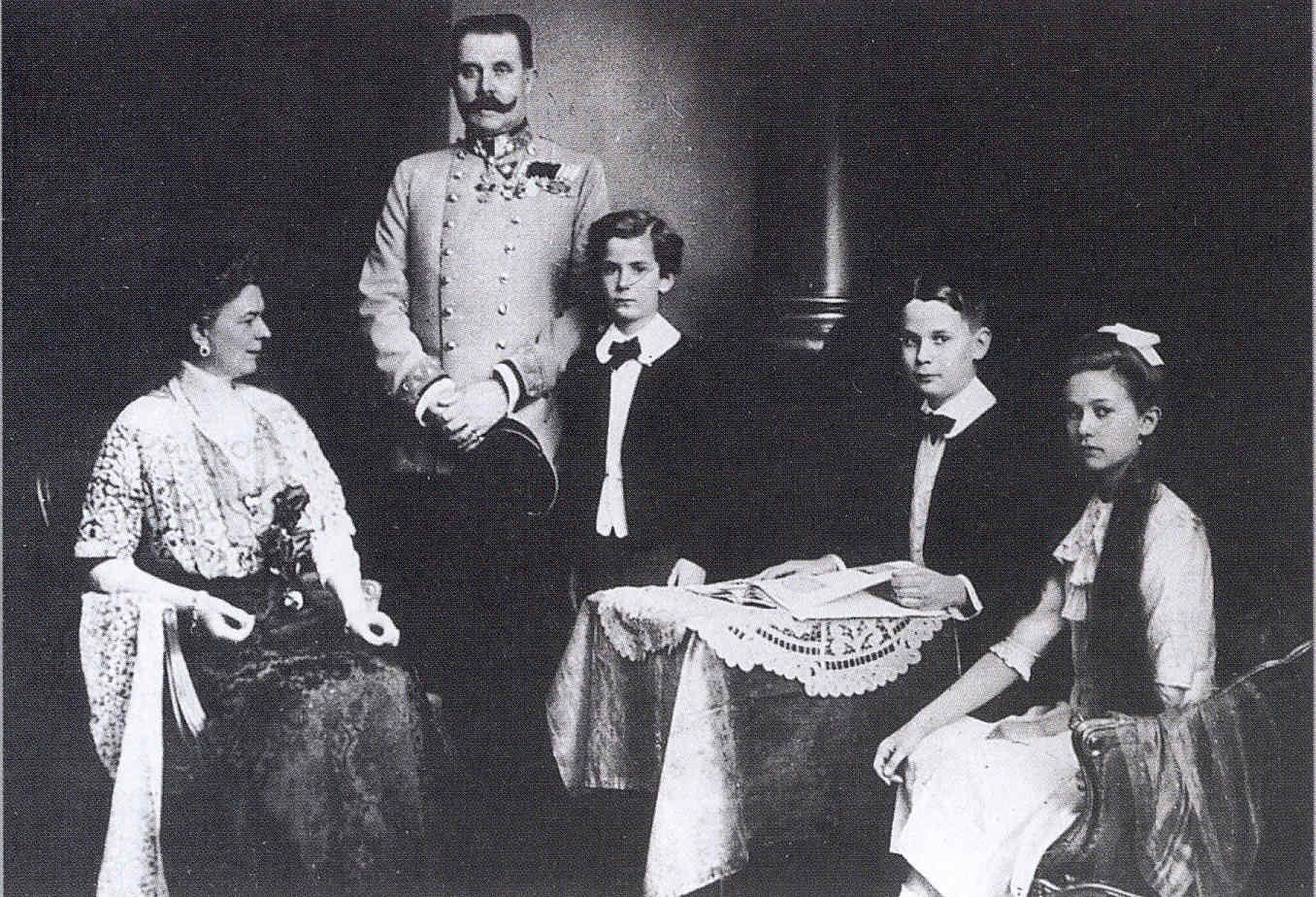 París 77 Dreyfus resuelto Las colonias Triple Entente Sarajevo