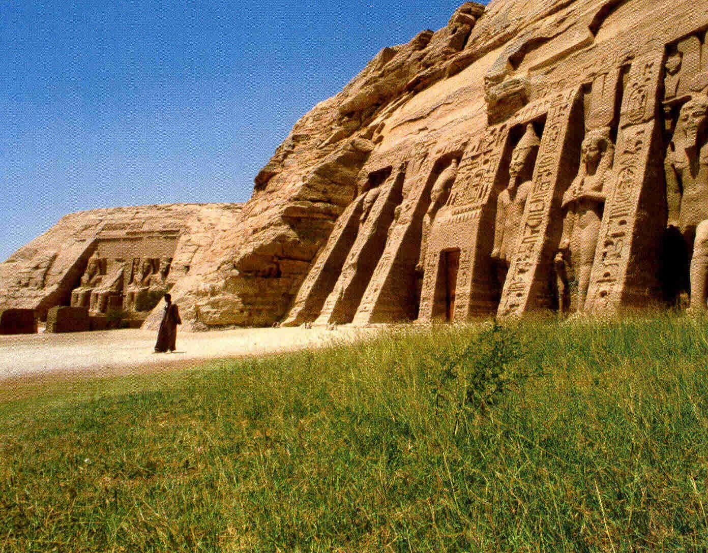 Ramsés II y Abu Simbel b